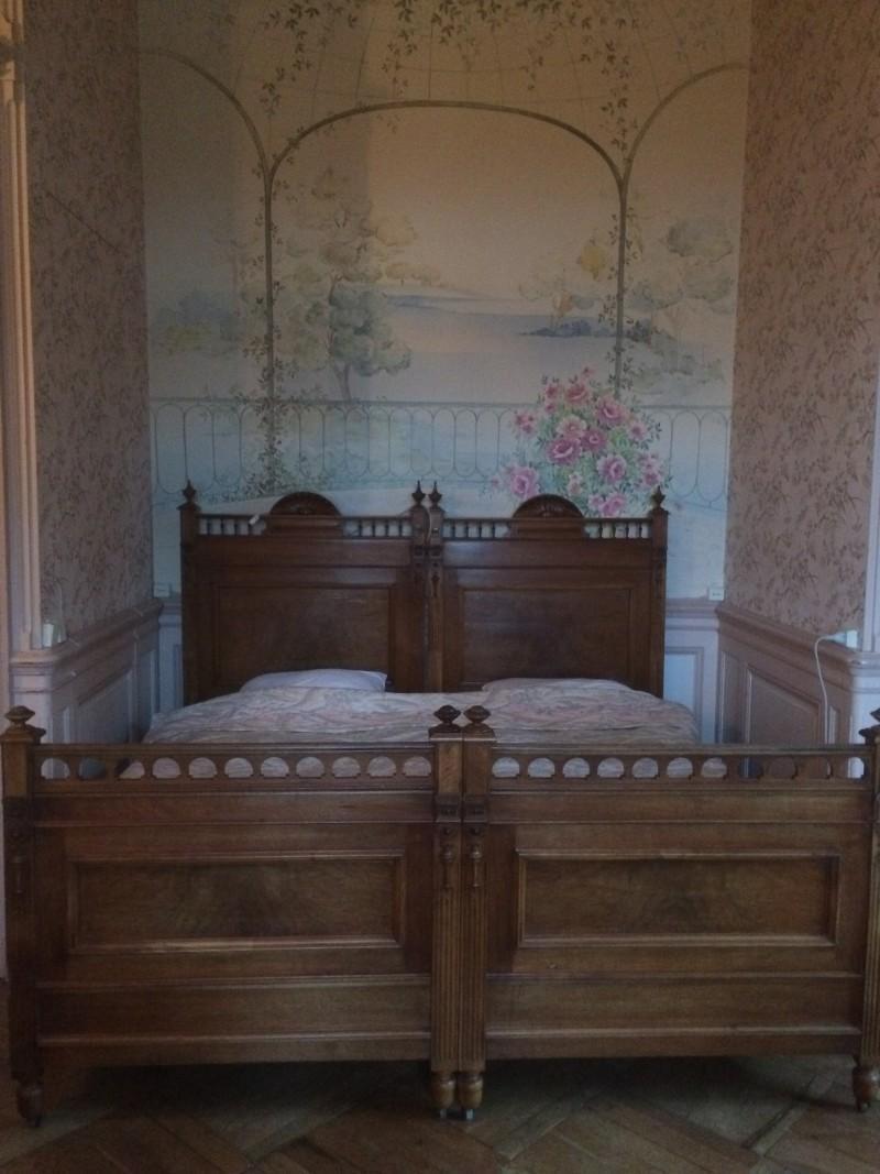 Rosenzimmer - Bett in der Nische